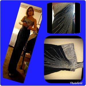 NWOT One Shoulder Black Evening Gown Size 8